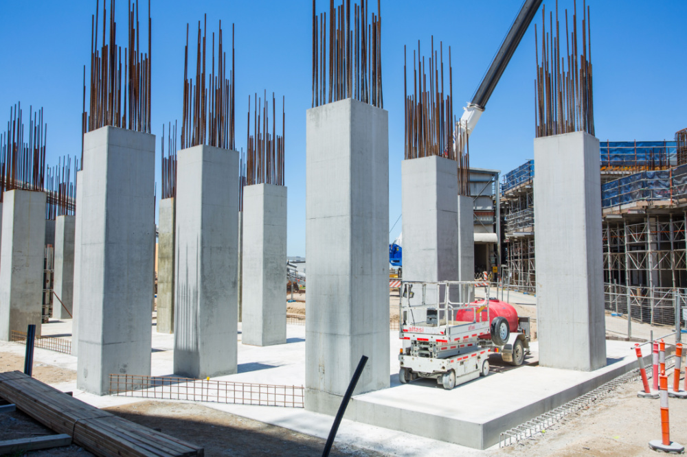 Niepe working on the construction of 2 new concrete silo structures at the Port of Brisbane Falconer Grain Terminal